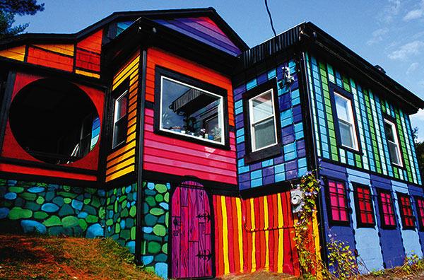Чем покрасить фасад