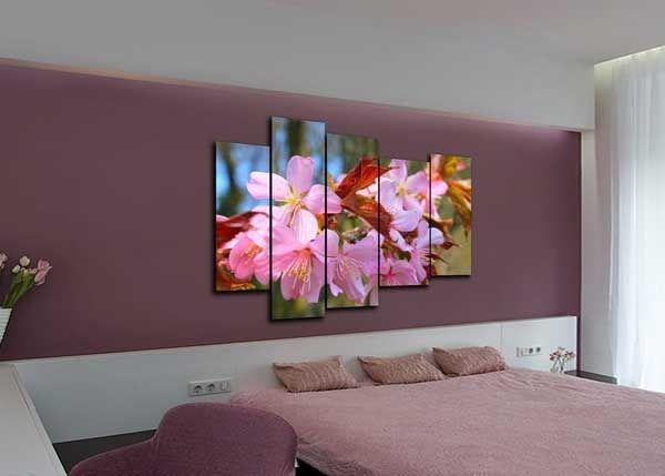 Модульные картины с рисунком цветущей сакуры