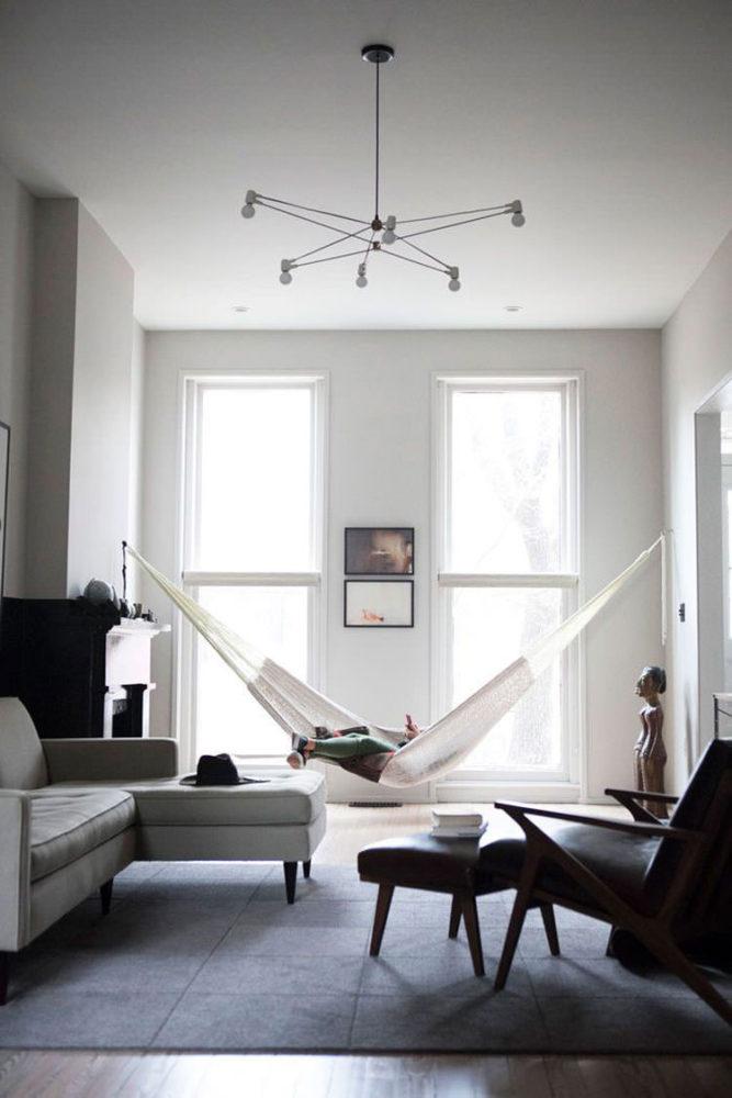 Стены, пол, потолок – самые недорогие варианты