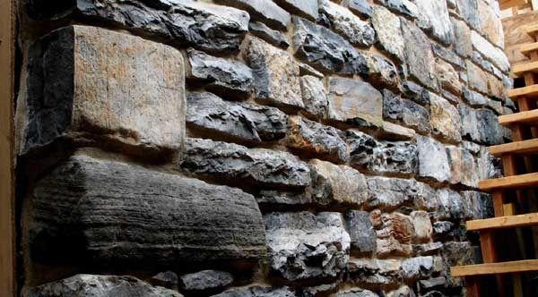 Изделия из гранита и мрамора в интерьере