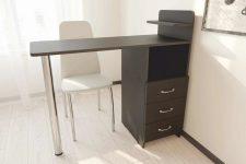 Маникюрные столы от компании Fly Mebel: качество и надежность