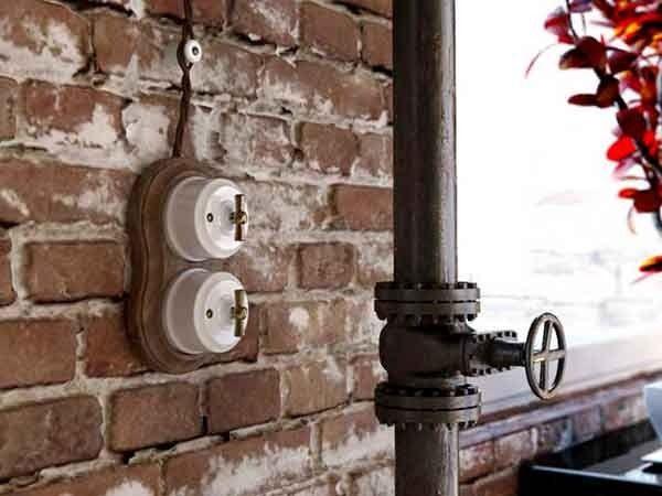 Использование скрытой ретропроводки в интерьере квартиры
